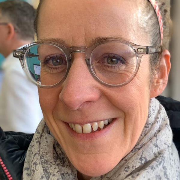Liz wearing Moscot Miltzen